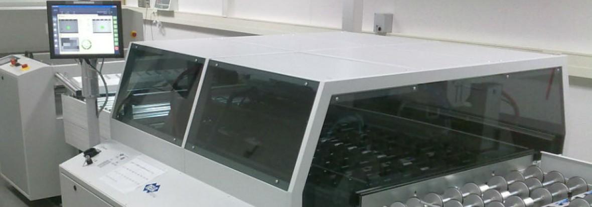 VCP Registerstanz- und Abkantsystem für den Rollenoffsetdruck